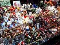 Decorações do Natal no mercado Foto de Stock Royalty Free