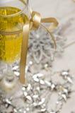 Decorações do vidro do champanhe da véspera de ano novo Fotos de Stock