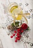 Decorações do vidro do champanhe da véspera de ano novo Imagem de Stock