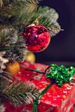 Decorações e presentes do Natal E fotos de stock royalty free