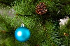 Decorações isoladas da Natal-árvore 2016 anos novos felizes Fotos de Stock Royalty Free