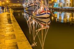 Decorações, luzes e Marine Crib do Natal fotos de stock royalty free