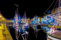 Decorações, luzes e Marine Crib do Natal fotografia de stock royalty free