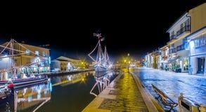 Decorações, luzes e Marine Crib do Natal imagem de stock royalty free