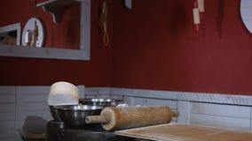Decorações na cozinha no café video estoque