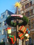 Decorações no mercado do Natal da água de Colônia Imagem de Stock Royalty Free