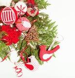 Decoración aislada, fondo blanco para los saludos de la postal, diseño de la Navidad del juguete en vintage macro de Navidad del  Imagen de archivo