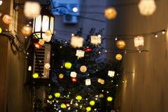 Decoración al aire libre del árbol del ` s del Año Nuevo Fotos de archivo libres de regalías