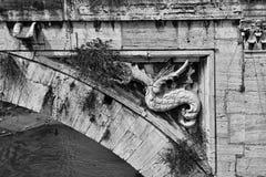 Decoración antigua del puente Imagenes de archivo