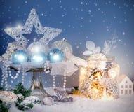 Decoración azul de la Navidad Fotos de archivo