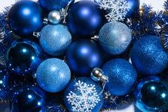 Decoración azul de la Navidad Foto de archivo