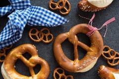 Decoración bávara con el pretzel de la sal Imagen de archivo