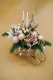 Decoración blanca de la tabla de la Navidad con las velas Imágenes de archivo libres de regalías
