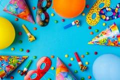 Decoración brillante para un cumpleaños, un partido, un festival o un carnaval fotos de archivo libres de regalías