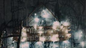 Decoración casera del invierno Interior rústico de la Navidad Decoración de madera interior de la Navidad almacen de video