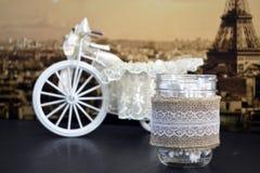 Decoración casera del vintage con el tarro del vidrio del paño de lino Imagen de archivo