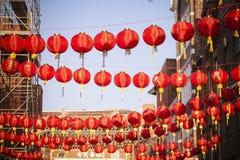 Decoración china de la linterna del Año Nuevo de la calle Imágenes de archivo libres de regalías