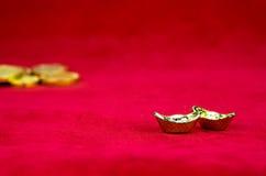 Decoración china del Año Nuevo: el rojo sentía el paquete o al prisionero de guerra w de la tela del ANG Imagen de archivo libre de regalías