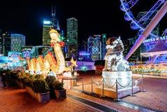 Decoración china iluminada grande del dragón en el gran carnaval europeo de AYA en Hong Kong Imágenes de archivo libres de regalías