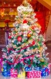 Decoración colorida del árbol de navidad Imagen de archivo libre de regalías