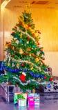 Decoración colorida del árbol de navidad Fotografía de archivo libre de regalías