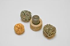 decoración con la vela y las bolas Imágenes de archivo libres de regalías