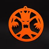 Decoración creativa para el partido de Halloween en la pared Árbol asustadizo en fondo negro Fotografía de archivo libre de regalías