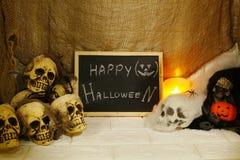 Decoración de Halloween en fondo de la pared Fotografía de archivo libre de regalías
