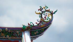 Decoración de la azotea del templo chino Fotografía de archivo