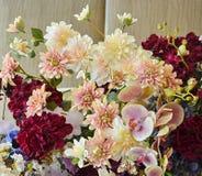Decoración de la boda, arreglos florales Decoraciones de la ceremonia de boda Foto de archivo libre de regalías