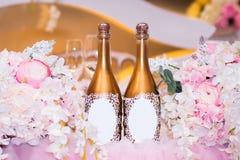 Decoración de la boda de flores y del champán Fotos de archivo libres de regalías