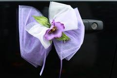 Decoración de la boda en el coche Imagen de archivo