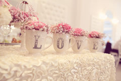 Decoración de la boda en la tabla Fotos de archivo libres de regalías