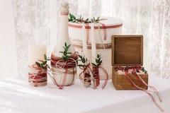 Decoración de la boda en la tabla de banquete Fotografía de archivo