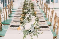 Decoración de la boda en los tonos verdes blancos Foto de archivo