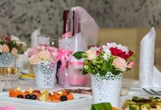 Decoración de la boda en restaurante Foto de archivo libre de regalías