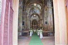 Decoración de la boda en una iglesia Fotografía de archivo