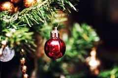 Decoración de la bola del árbol del Año Nuevo Foto de archivo