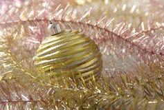 Decoración de la bola del Año Nuevo de la Navidad Foto de archivo libre de regalías