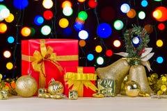 Decoración de la caja y de la Navidad de regalo Fotografía de archivo