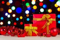 Decoración de la caja y de la Navidad de regalo Foto de archivo