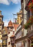 Decoración de la calle de la señalización francesa típica, Estrasburgo, Francia foto de archivo libre de regalías