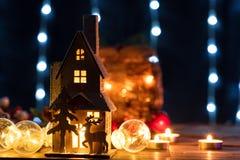 Decoración de la casa de pan de jengibre de la Navidad Imágenes de archivo libres de regalías