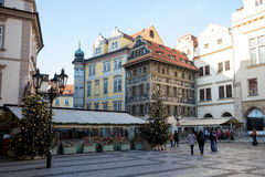 Decoración de la ciudad en tiempo de la Navidad del advenimiento en Praga Imagen de archivo