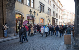 Decoración de la ciudad en tiempo de la Navidad del advenimiento en Praga Foto de archivo