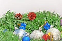 Decoración de la Feliz Navidad y de la postal del saludo de la Feliz Año Nuevo Foto de archivo