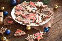 Decoración de la galleta y de la Navidad del jengibre Imágenes de archivo libres de regalías