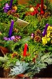 Decoración de la guirnalda de la Navidad Imágenes de archivo libres de regalías