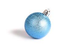 Decoración de la Navidad aislada en el árbol. Fotos de archivo