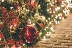 Decoración de la Navidad al aire libre y del Año Nuevo Fotografía de archivo libre de regalías